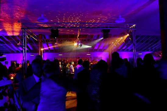 far-niente-barn-dance-2